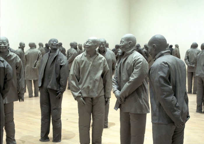 Juan Muñoz, Many Times, 1999. Polyester and resin, Dimensions variable Private Collection. Photo by Jean Luc Lacroix © The Estate of Juan Muñoz, Bilbao 2008